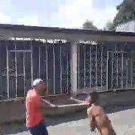 ホームラン級のフルスイングをして鉄パイプで男の頭をぶっ叩くw