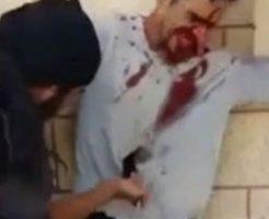 既に血まみれの男性が男たちに刺し殺される映像がエグイい…