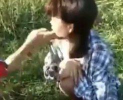 中国では横っ面を引っ叩くのが流行ってるのかな?w