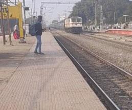 一切止まる気の無い電車に轢かれるとこうなる…
