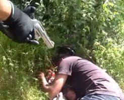 ギャングの男が別組織の人間に容赦なく射殺されてる…