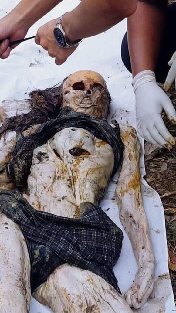 刺青が特徴の美女が殺されて埋められ腐敗した姿…