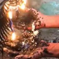 燃やして溶けたプラスチックを掌に垂らされる拷問を受ける男性