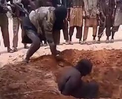 【閲覧注意】「ボコ・ハラム」によるマチェーテでの斬首処刑映像