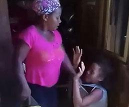駆け付けたカメラマンが見たものは母親が娘に激しく怒鳴りつける姿だった…