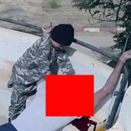 ISISの子供兵士が大人の首を切断して処刑する映像が痛ましい…