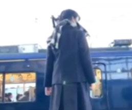 瀬谷駅で女子高生が電車に飛び込む瞬間を自ら撮影したLive映像…