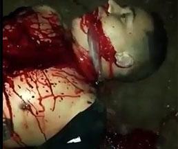 【閲覧注意】生きたまま胸から裂かれて臓器を弄り回される男…