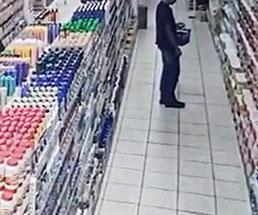 お店で買い物してたら天井が落ちてくるとか…w