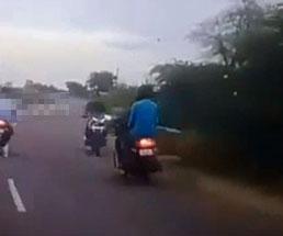 交通ルールを守らないバカのせいで巻き込まれるバイク同士の正面衝突