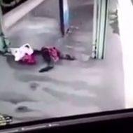駅のホームに吹っ飛んできた男性の身体が真っ二つになる瞬間…