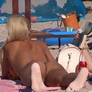 【無修正】ヌーディストビーチでブロンドヘアーの美女を隠し撮り