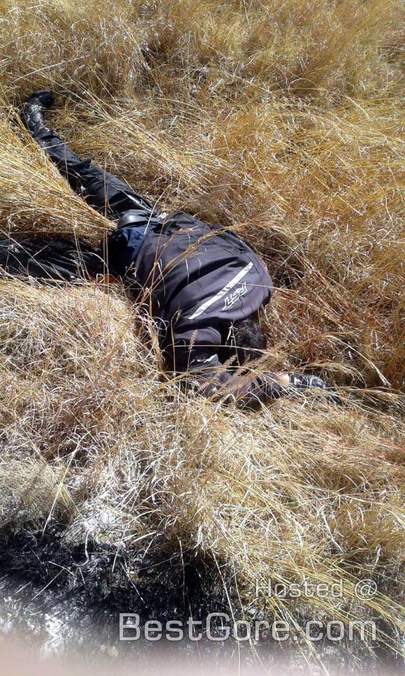 バイク同士の衝突事故で鎮火したバイクの横に女性の首が…