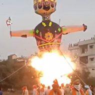 お祭りの最中で起きた爆発事故にあまり動じていないインドの方たちw