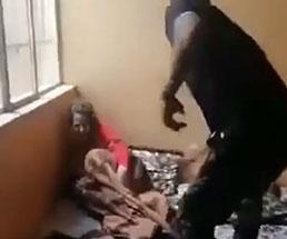 娘を虐待する父親は息子に止められても暴行し続ける…