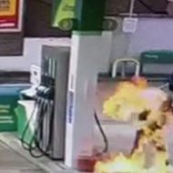 ガソリンスタンドでガソリンを頭から被り焼身自殺を図る女性