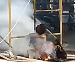 電線に触れ身体が燃え上がってしまった作業員