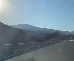 高速道路を逆走した結果トラックと正面衝突して…