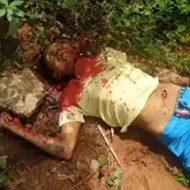 マチェーテで喉を切り裂かれ殺されている男性