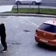 こんなまともに運転できない女にぶつけられた男性が可哀想すぎる…