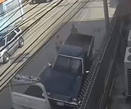 レッカー車に乗せるの失敗とかアホすぎだろw
