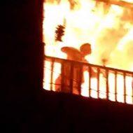 轟々と燃える中、2階のバルコニーに取り残されてしまった地獄