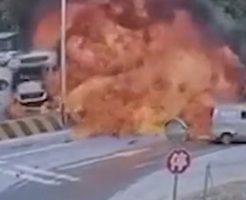 大型トラック同士の事故ってこんなことになんの!?