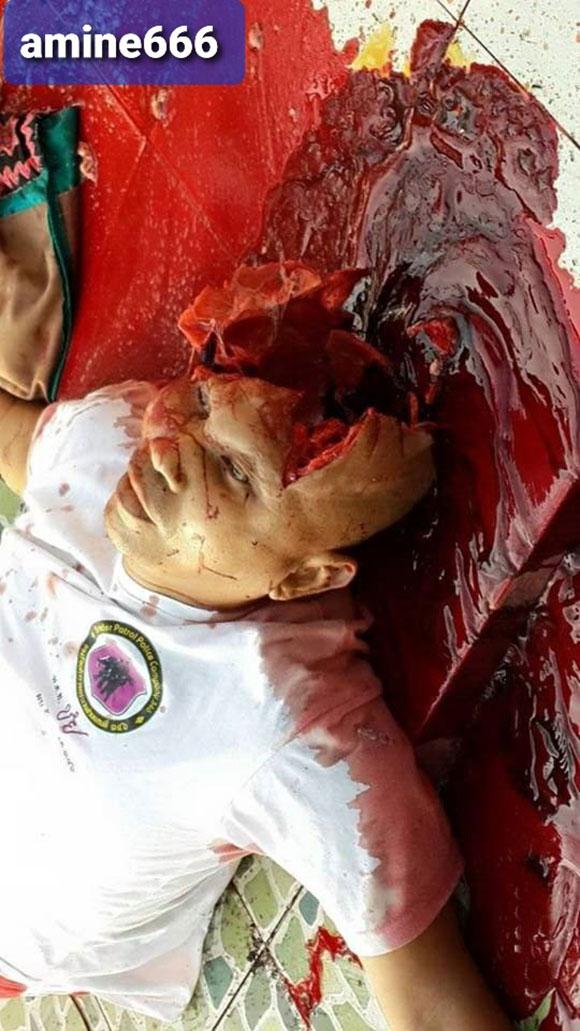 人生に絶望した男性が寺院で頭を撃ち抜き自殺した姿