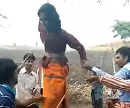 19歳の女性が親戚に吊るされ鞭打ちのフルボッコにされる…