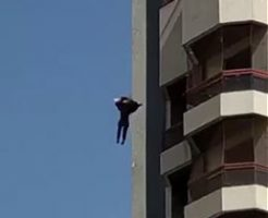 8階という高所から飛び降り自殺する女性