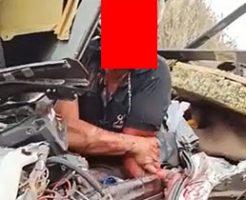 事故に遭った運転手がボロボロの身体でもがいている姿が痛々しすぎる