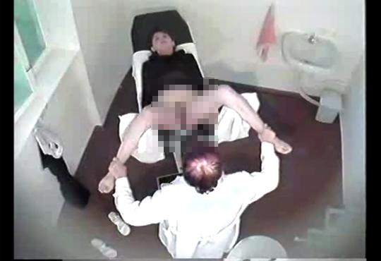 【本物盗撮】企画モノじゃない!ガチの分娩室盗撮映像が流出・・・