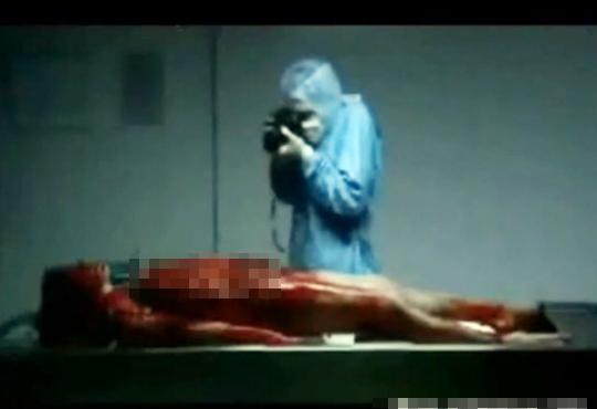 【死姦映像】解剖中の女性を死姦自画撮りする鬼畜医師・・・ ※エログロ動画