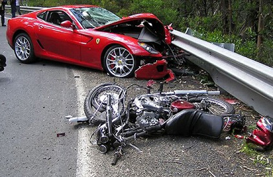 【死亡事故】高速道路で逆走してみたwをやった奴が即死・・・