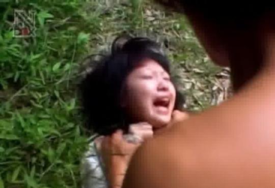 【レイプ・閲覧注意】泣きながら拒否するJKをガチレイプした映像流出・・・